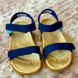 Native Boys Blue Velcro Sandals Size 13
